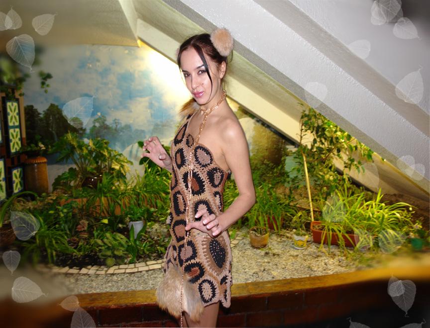 Креативное платье из дамских колготок.